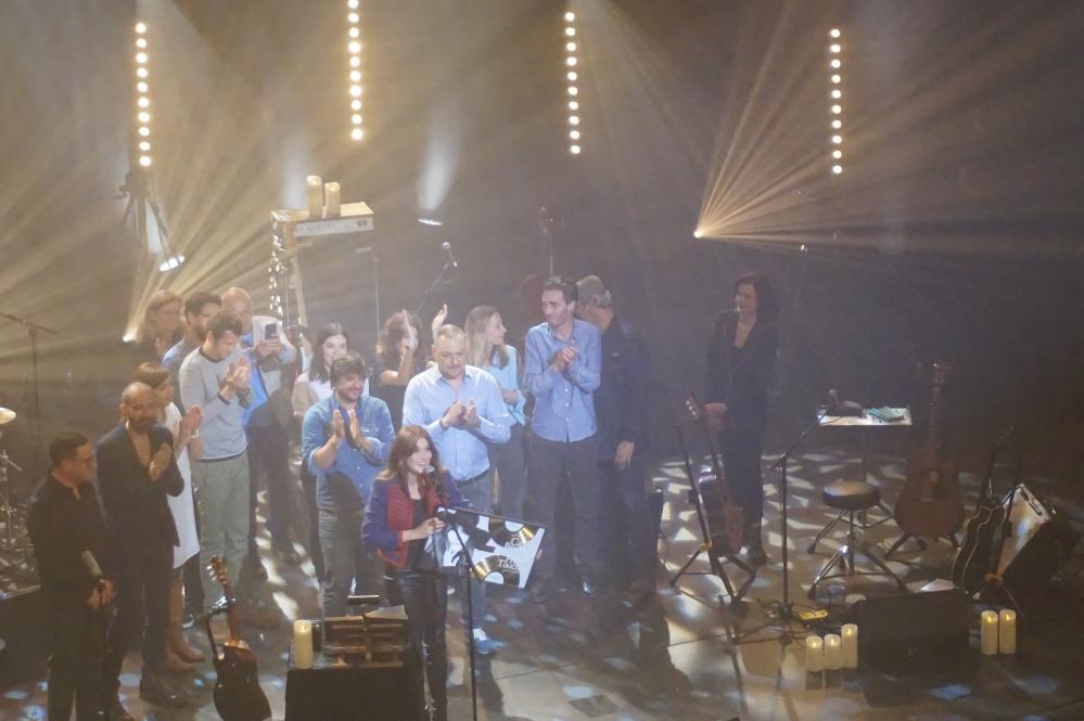 carla-bruni-concert-théâtre-champs-élysées-paris-blondi-brunette