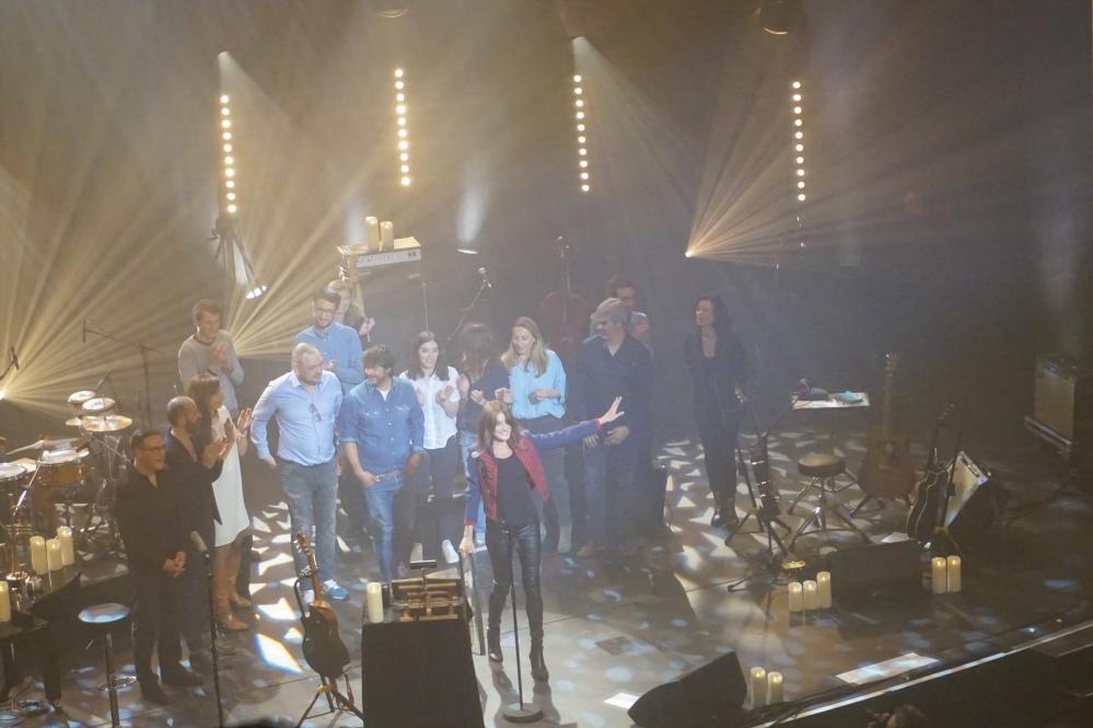 carla-bruni-concert-théâtre-champs-élysées-paris-live-blondi-brunette