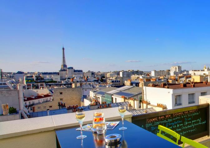 lounge-bar-view-novotel-paris-13990261350