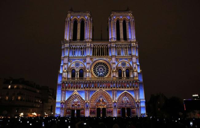 830x532_spectacle-lumiere-dame-ur-met-valeur-cathedrale-paris-jusqu-11-novembre-celebrations-centenaire-premiere-guerre-mondiale